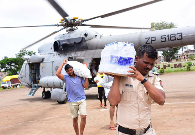 MAHARASHTRA FLOOD PEOPLES AFFECTED STATE MINISTERS AND CM DONATE ONE MONTH SALARY