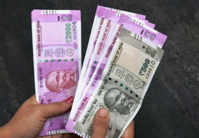 vigilance officers raid at tamilnadu districts government offices seizure the money