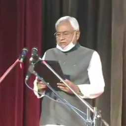 Nitish Kumar takes oath as the CM of Bihar for the seventh time