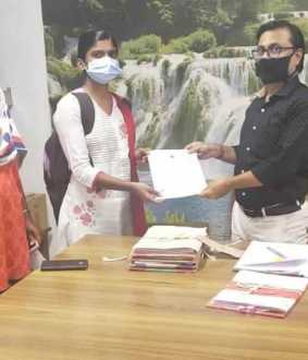 IAS officer udhayachandhiran helped student to make admission in medical