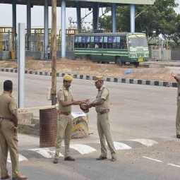 nellai district nanguneri toll plaza employees vehicles incident police