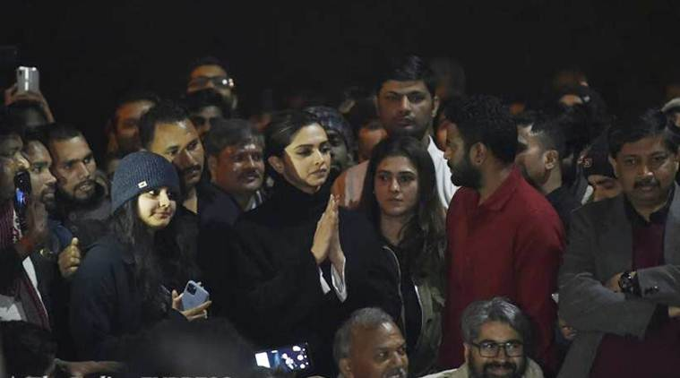 deepika padukone at jnu