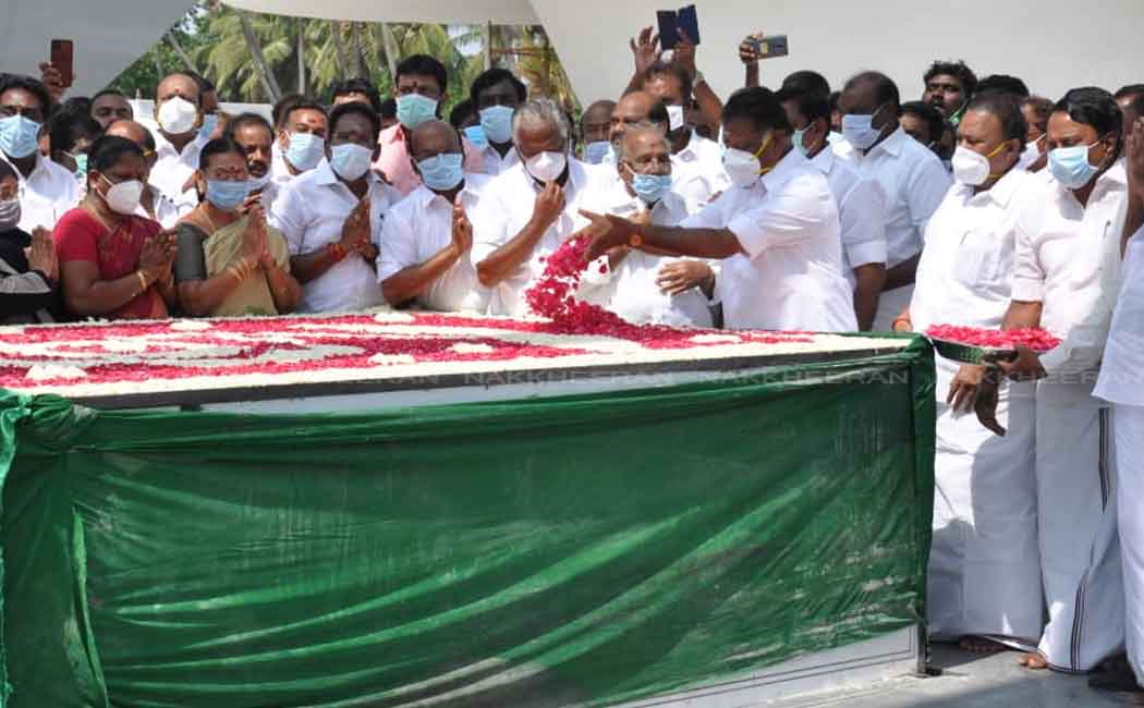 AIADMK members visit Jayalalithaa memorial (Pictures)