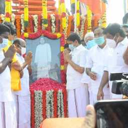 ADMK ministers pay homage to muthuramalinga thever