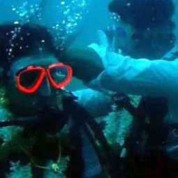 tamilnadu couple married under deep sea...