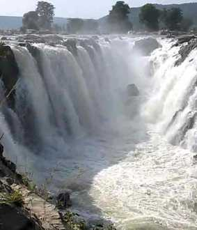 Overflow opening from Kabini, KRS dams