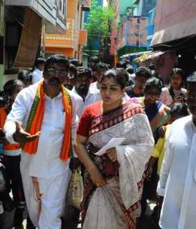 Khushboo meets people and listens to their grievances