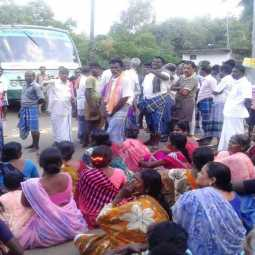 kajacyclone pudukkottai district rice bundled  peoples strike