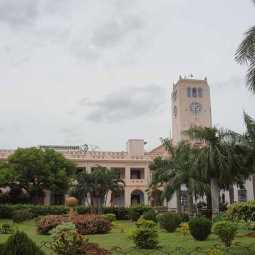 Staff are reluctant to come to work as corona infected patients are staying at the Annamalai University campus