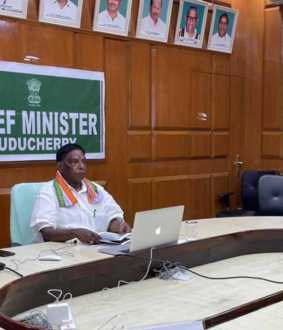 puducherry cm narayanasamy discussion with ministers, mlas, at vice speaker residence