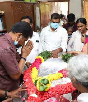 Nakkeeran editor pays homage to thஎ senior Communist Party leader D. Pandian