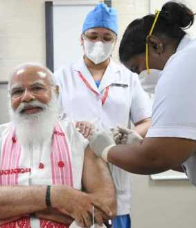 Prime Minister Modi vaccinated against corona