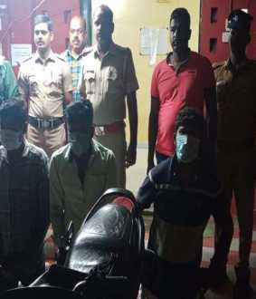 two wheeler police arrested in chidambaram