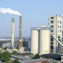 Toxic smoke emitted from cement plant