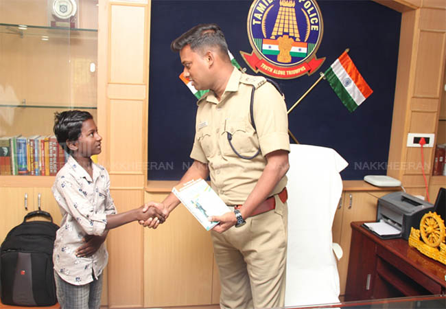 RAMANATHAPURAM POLICE COMMISSIONER VARUN KUMAR  SP congratulated the student!