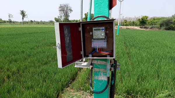 Agricultural electrical connection