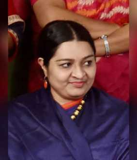 Jayalalithaa's personal life tarnished by 'Queen' web series! - Deepa's party chargesheet in the High Court