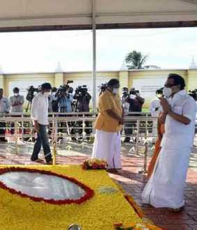 Stalin's floral tribute to the kalaingar's second anniversary-memorial