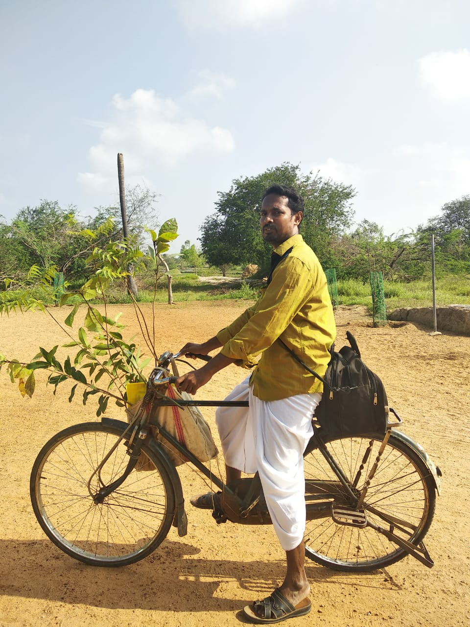 Bicycle tour of the government school teacher