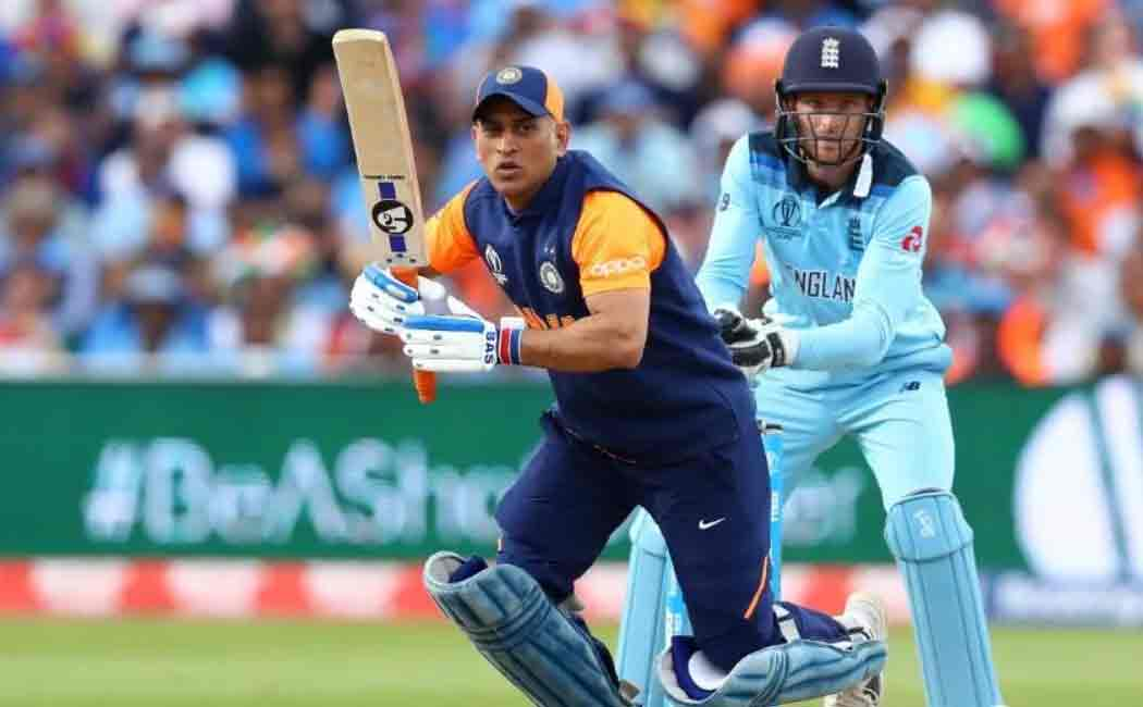 indian assistant coach backs dhoni