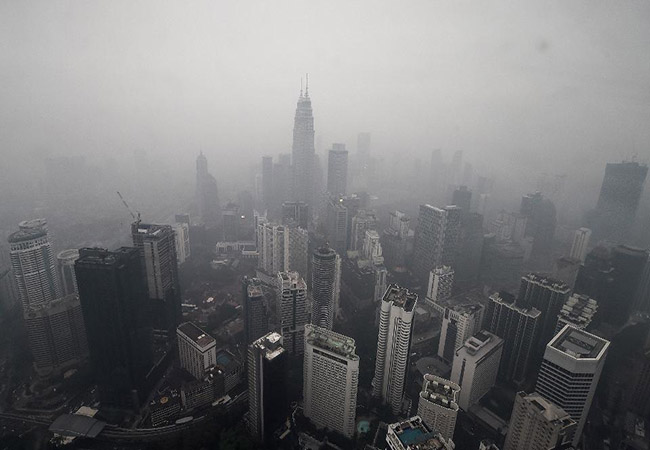 INDONESIA FOREST INCIDENT AIR POLLUTION AFFECT IN SINGAPORE