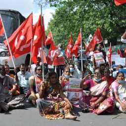 Marxist Communist Party staged a road blockade in Chennai in support of the Delhi farmers struggle ...