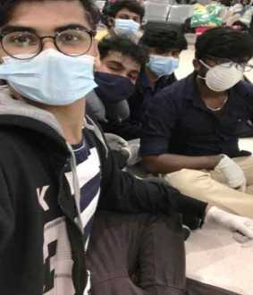 The same mask for many days ... Indian students in the Philippines tears
