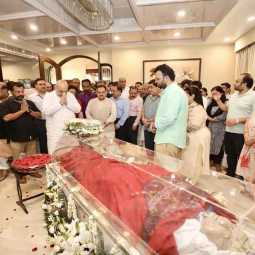 former union minister  For the body of Arun Jaitley  Political party leaders pay tribute