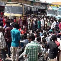 cuddalore Road blocking due to government bus Engaged college students