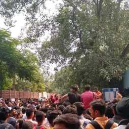 ca students protest outside icai office