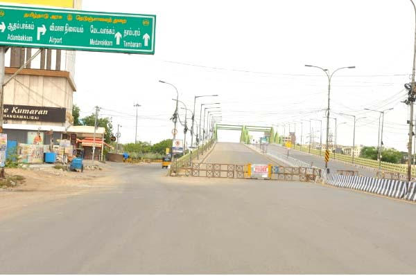 chennai lockdown - Velachery -  madipakkam road - phots-