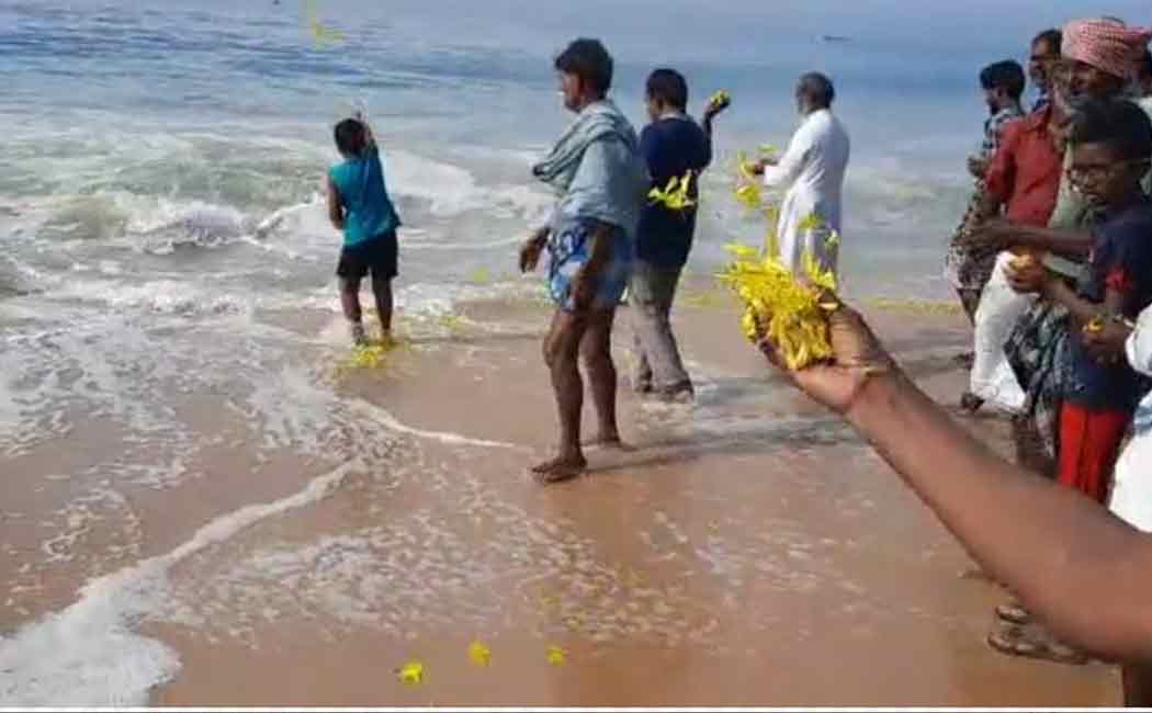 World Fishermen's Day ... Fishermen who paid homage to the sea in KanyaKumari ...!