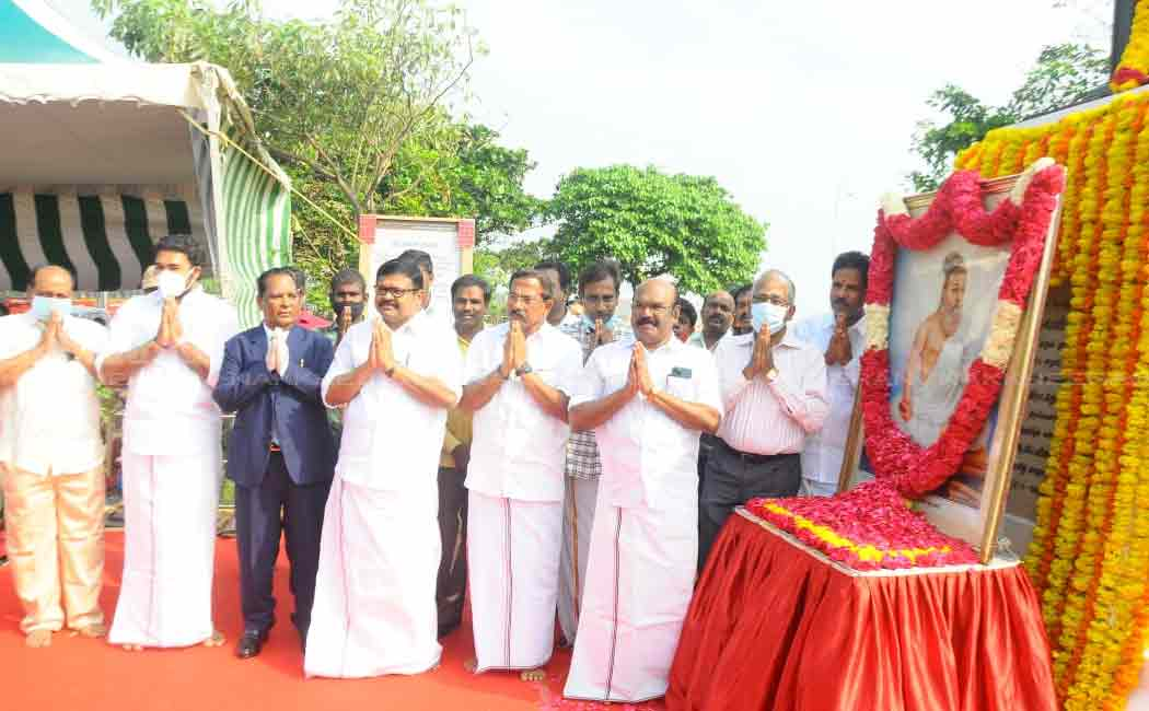 Ministers pay homage to Thiruvalluvar statue