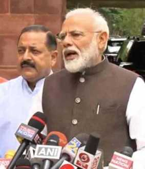 modi sworn as mp in the first session of loksabha