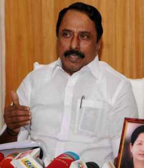 '' There are not enough government school teachers to train for the NEET exam '' - Minister Senkottayan