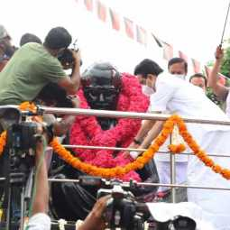 MK Stalin pays homage to Anna statue in Valluvar Kottam (Pictures)
