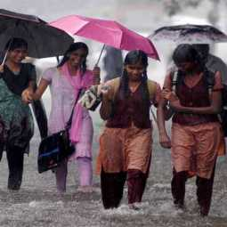 NAGAI DISTRICT HEAVY RAIN SCHOOLS ONLY TODAY FOR HOLIDAY COLLECTOR ANNOUNCED