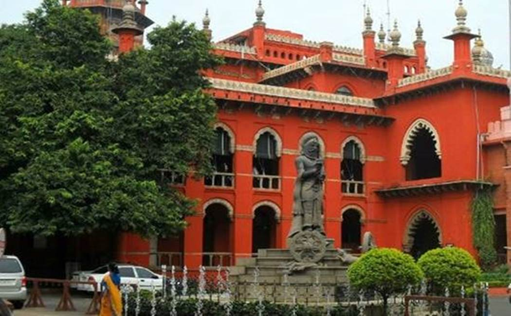 private lands billboards issue - chennai  High Court order