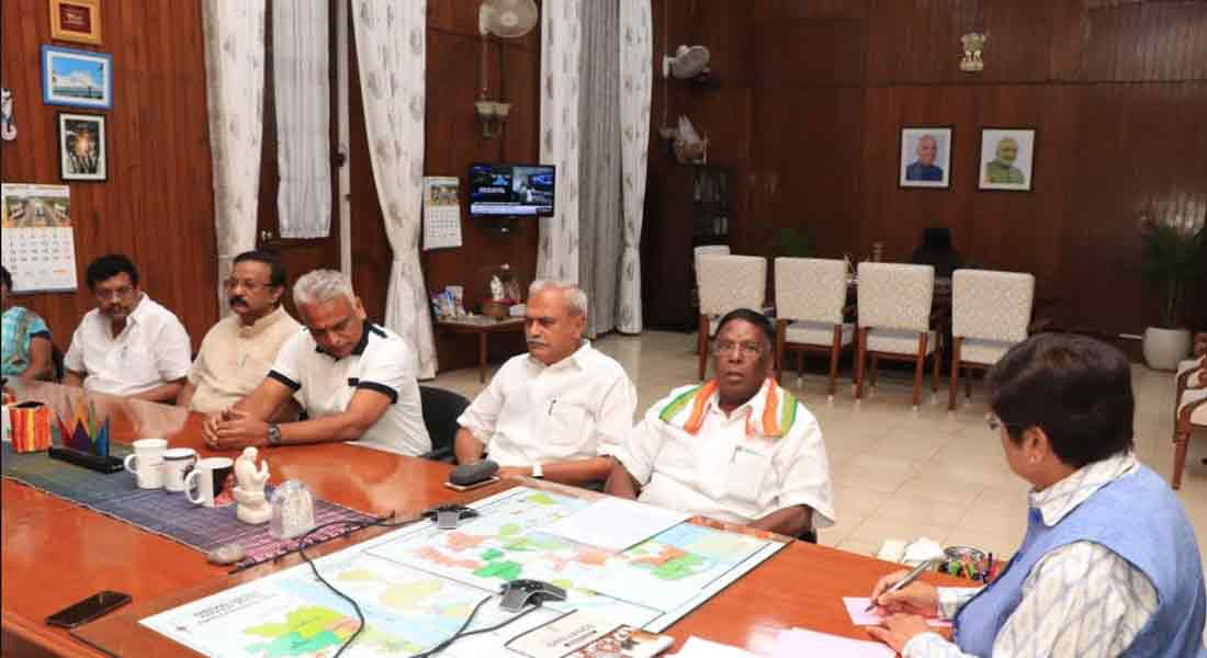 Puducherry: Chief Minister exit from governor meeting