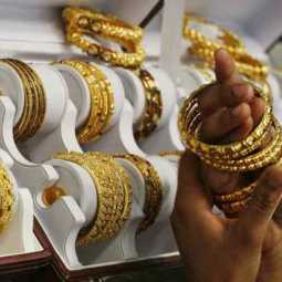 Trichy Gold Merchants For Corona Treatment Customers in shock!