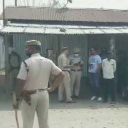 Stones pelted at police personnel in assam