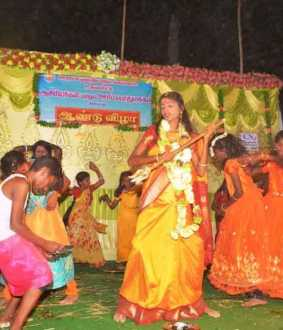 school annual day students dance peoples in pudukkottai district