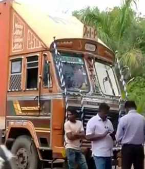 Container trapped in Tanjore ... Seized Election Flying Corps!