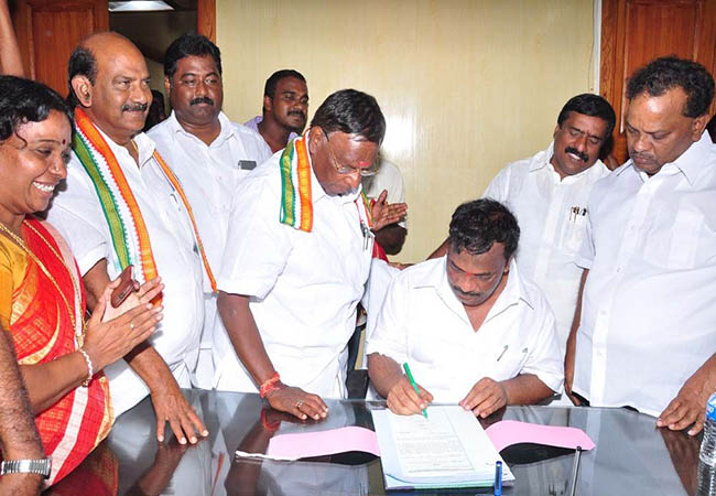 puducherry state assembly deputy speakers mnr balan select majority of mla support