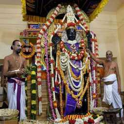 kancheepuram temple athi varadhar statue located and fill the water high court order
