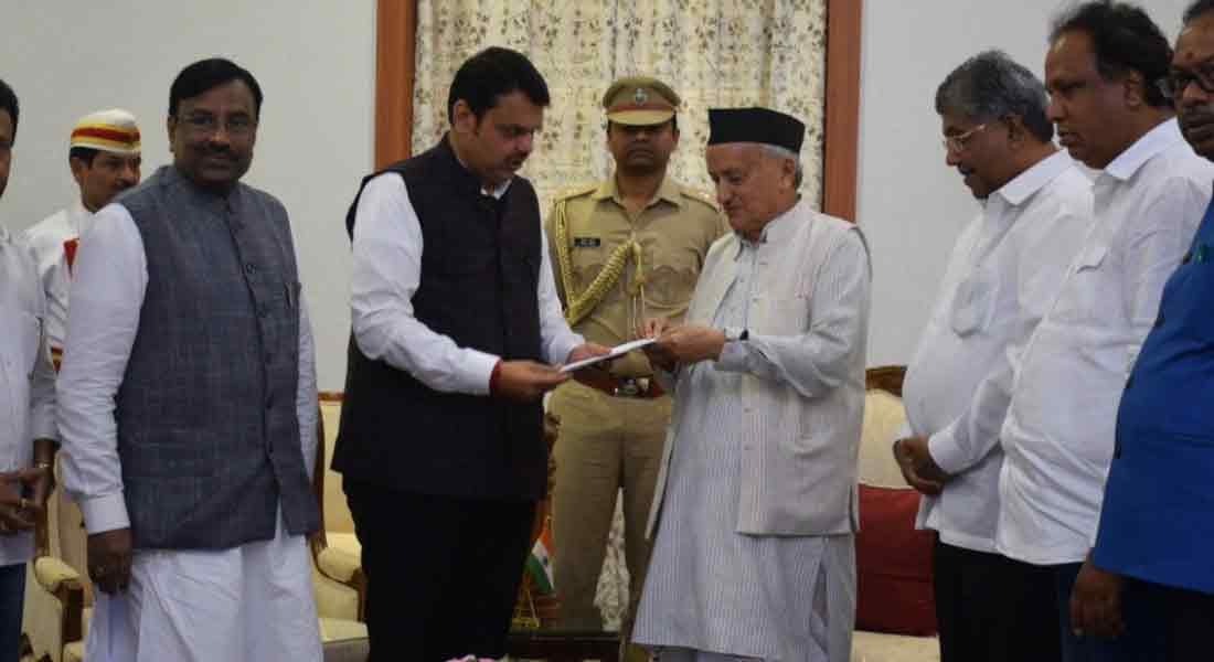 Governor calls on Devendra Patnavis to rule