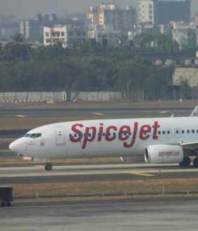 spicejet flight interrupted by pakistani navy flights
