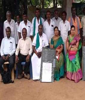 Coimbatore Agricultural University professors training farmers