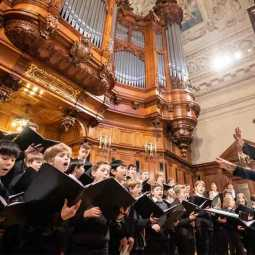 German girl sues boys choir for gender discrimination