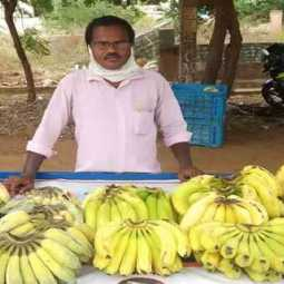 telugu teacher selling banana in streets due to covid layoff